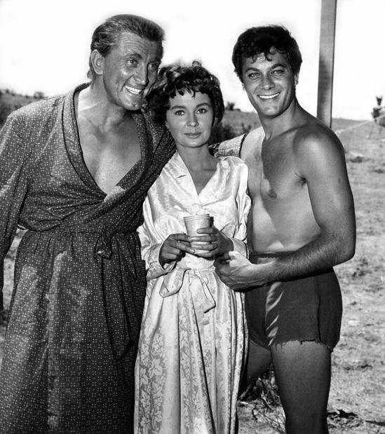 "Kirk Douglas, Jean Simmons and Tony Curtis between scenes of ""Spartacus"", (1959)."