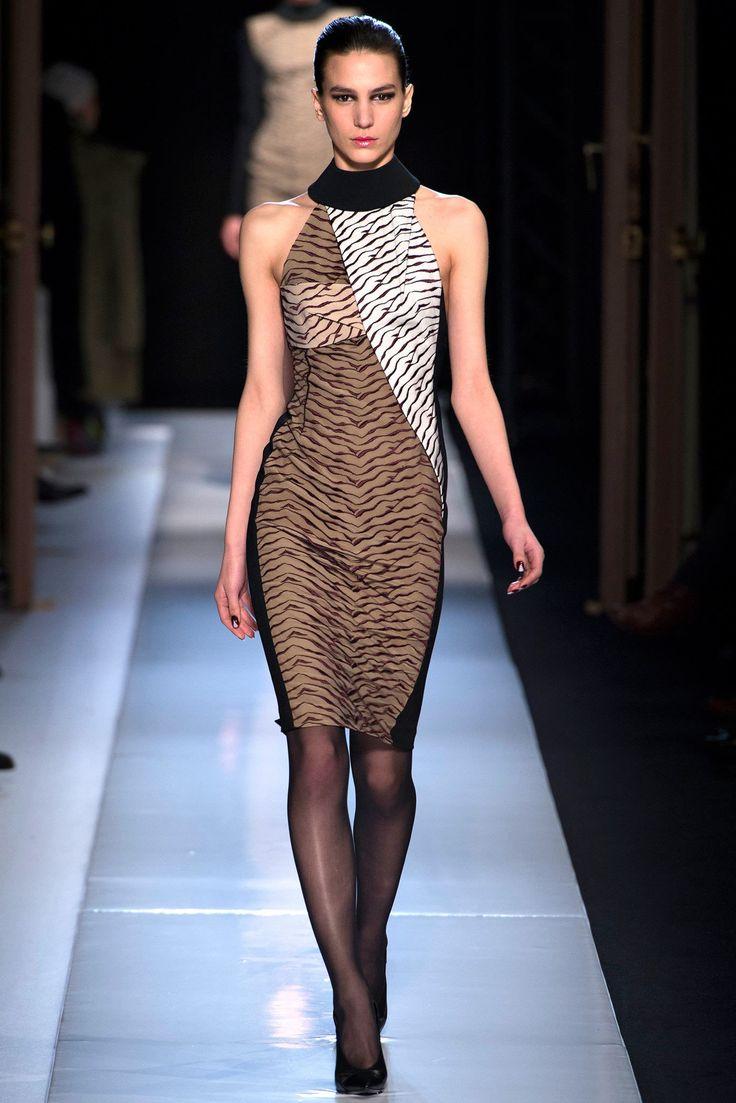 Roland Mouret Fall 2013 Ready-to-Wear Fashion Show - Mijo Mihaljcic (IMG)