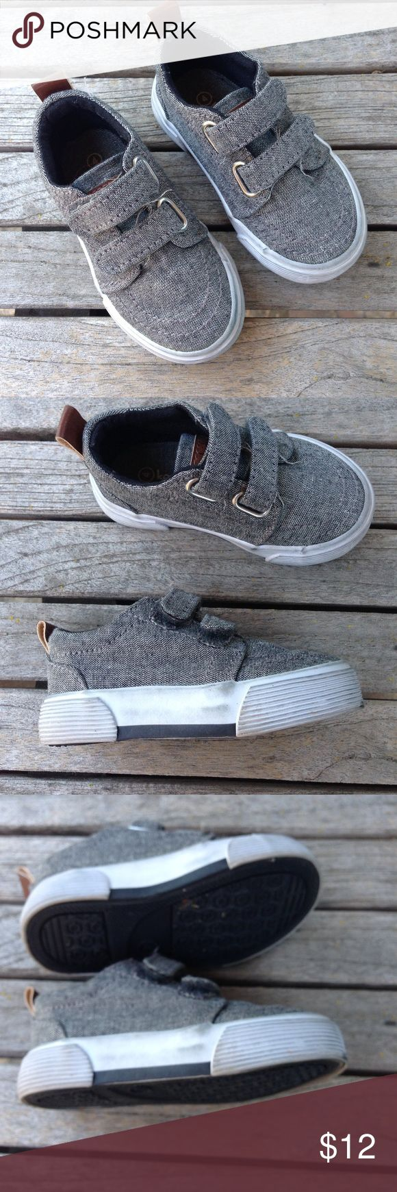 Koala Kids Toddler  Black Denim Sneakers Black Chambray denim sneakers with hook and loop fasteners Made by Koala Kids Size 4 Bit of wear on the sides visible but overall very good used by a toddler condition. Check out my other toddler boy shoes and bundle them to receive a great deal. Koala Kids Shoes Baby & Walker