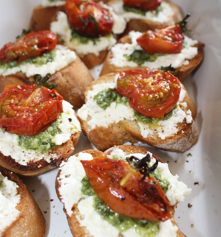 Crostini with Feta, Pesto and Slow Roasted Tomatoes! #afreerangelife @Annabel Schubert Schubert Schubert Langbein