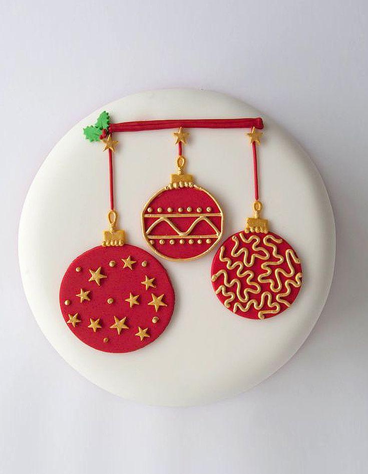 Gâteau décoré rouge et or