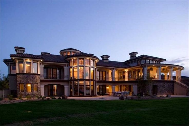 Beautiful Mediterranean House.  Click picture for house plans.