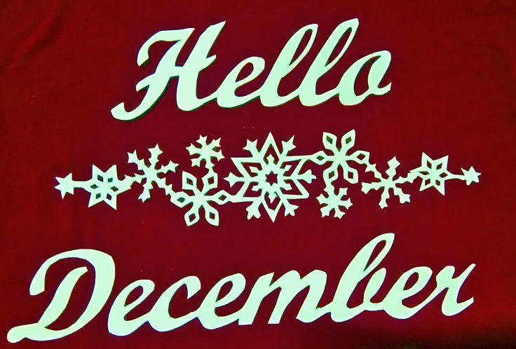 Hello December felirat papírból