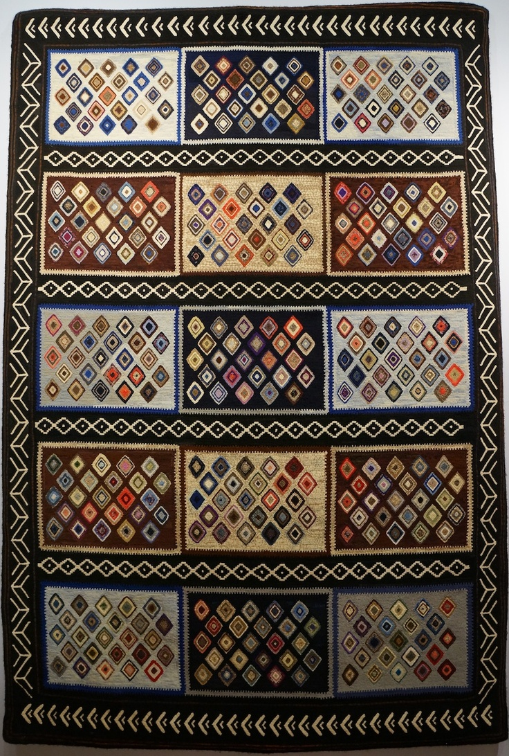 Fish Eye Rugs: Elizabeth Guth • Featured Artist • Hooked in the Mountains 2012