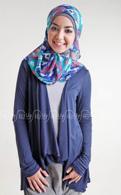Simply casual with Waterfall Cardigan from Dhiyaa. #NewArrivals on www.hijup.com
