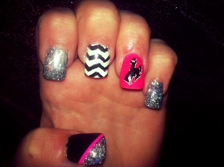 Fun nails with wyo bucking horse
