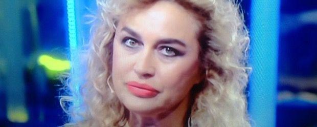 """Lory Del Santo contro Cristiano Malgioglio: """"io non sono trash, sono oltre"""""""