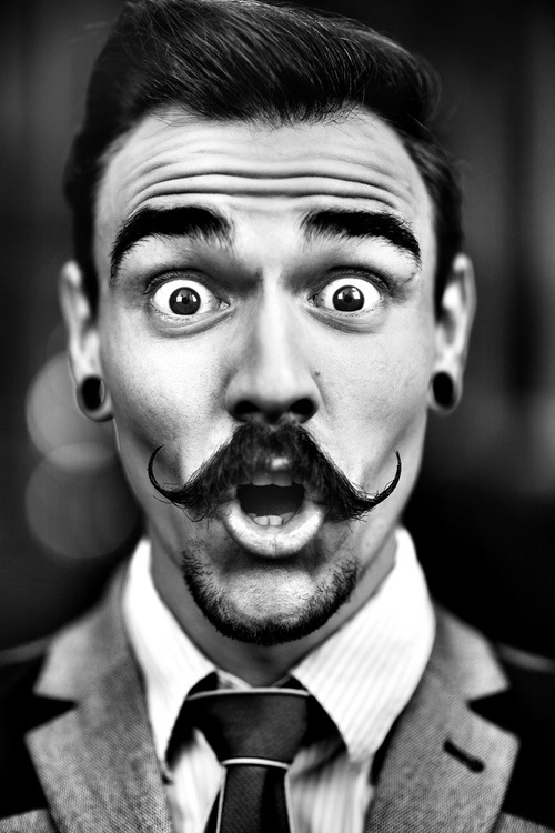 Piercing  Style  Moustache