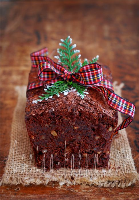 Dark Chocolate Whisky Cake - (sultana is a white seedless raisin for those of you like me who didn't know)