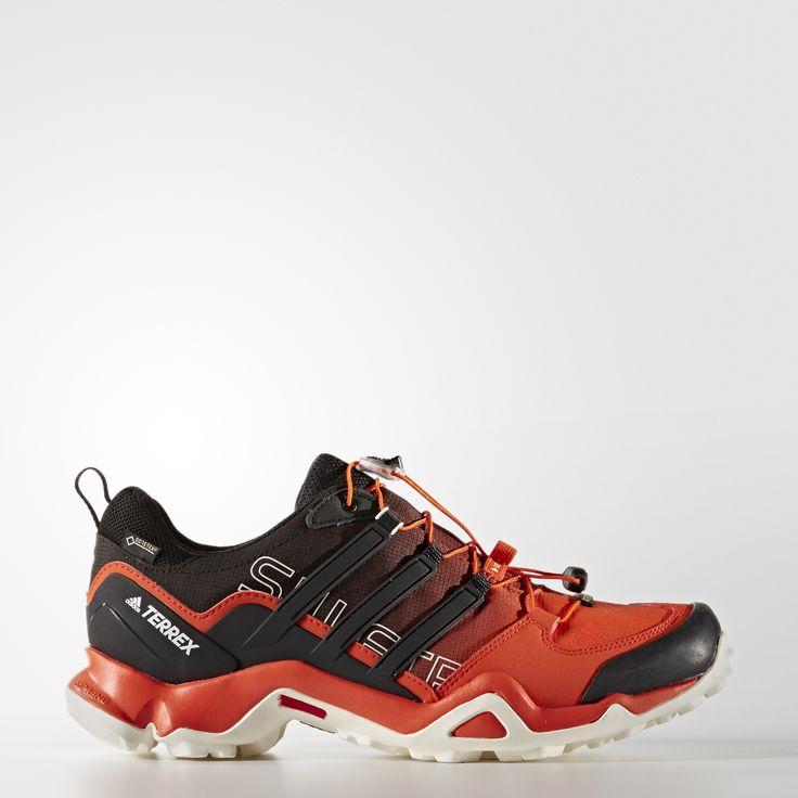 Conçue pour la randonnée rapide sur terrains accidentés, cette chaussure outdoor hommes résistant à l'abrasion allie légèreté et respirabilité. Elle possède une tige ripstop durable et une doublure GORE-TEX® imperméable ainsi qu'un amorti ADIPRENE® pour protéger le pied des impacts. La semelle extérieure TRAXION™ offre une adhérence optimale sur les terrains glissants.