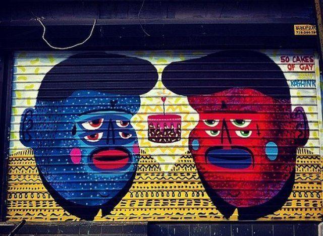 Kashink est une graffeuse basée à Paris spécialisée dans l'illustration de personnes de tous genres, gangsters ou chamans, gros, poilus et ayant 4 yeux.