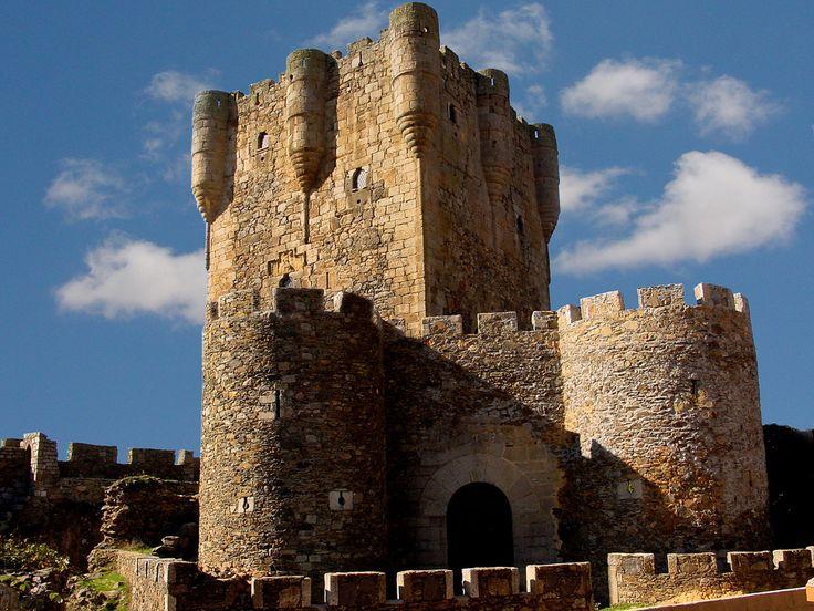 Castillo de Monleón, Salamanca. Siglo XV.