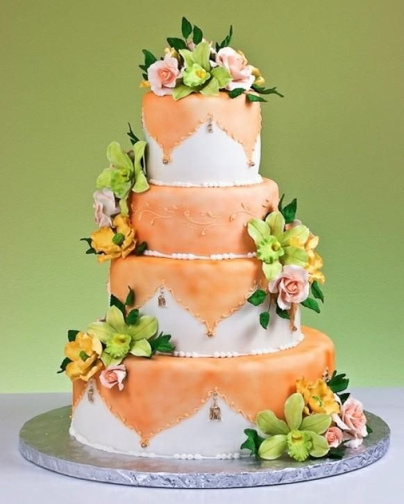 Weddbook is a content discovery engine mostly specialized on wedding concept. You can collect images, videos or articles you discovered  organize them, add your own ideas to your collections and share with other people - Painted Applique Cake von Jacques Feine europäische Gebäck