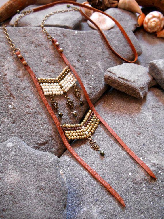 Collar inspiración Nativos americano cuero perlas por Minouchkita