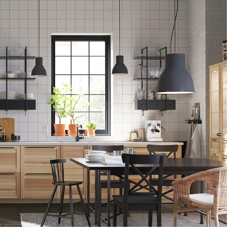 HEKTAR taklampa ger retrostil i ditt hem.