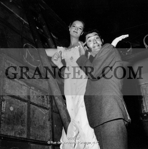0171107-FILM-LA-BELLE-ET-LEMPEREUR-Actors-Romy-Schneider-and-Jean-Claude-Pascal-on-set-of-the-film-La-belle-et-lempereur-Photograph-1959-Full-credit-Claude-Schwartz---Rue-des-Archives--Granger-NYC----All-rights.jpg (497×500)