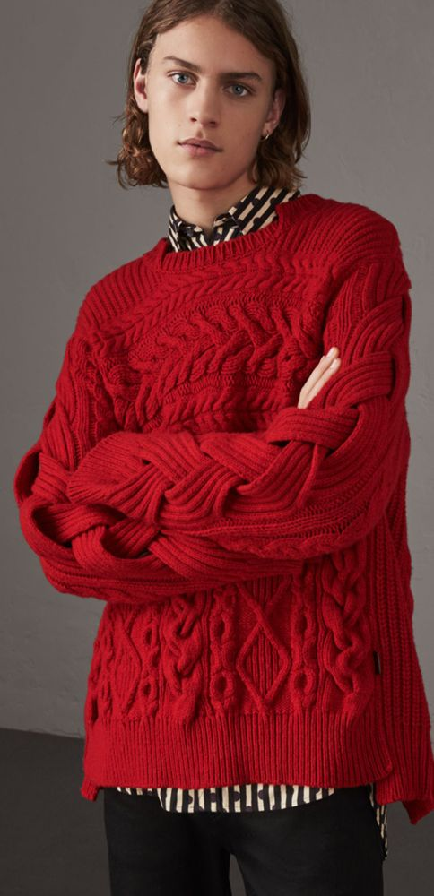 A chunky Aran-knit cashmere and wool Burberry sweater in military red