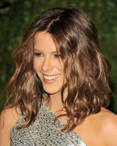 Hair Trend | Wavy lob (long bob) tousled perfection via Kate Beckinsale