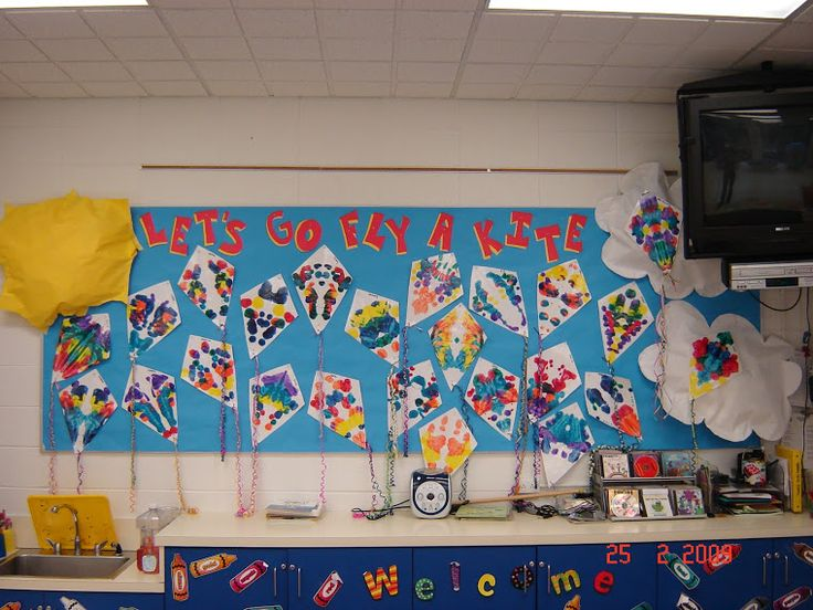 Classroom Ideas To Go ~ Let s fly a kite bulletin board boards