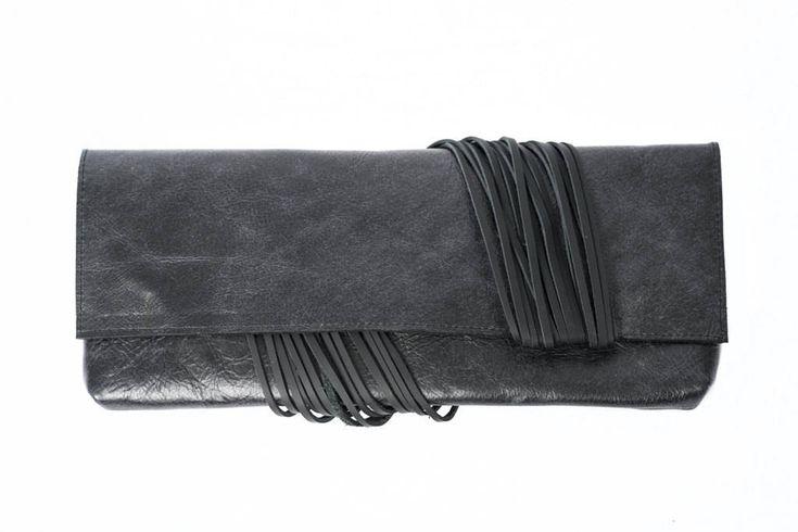 Black leather clutch bag, evening bag, leather purse, black handbag, leather fringe bag, baguette bag, chic leather bag, black modern bag de la boutique VEINAGE sur Etsy