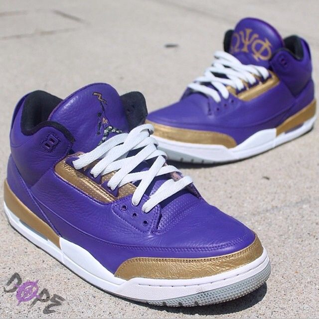 """These AJ3 """"QueDogs"""" by @dezinedopecustoms commemorate the #frat #OmegaPsiPhi . The list of members jncludes the likes of """"His Airness"""" MJ, Shaq, Vince Carter, Bill Cosby, Steve Harvey, Steven A Smith, Chris Webber and many more. #aceofcustoms"""
