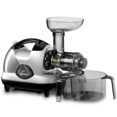 When buying a juicer, it's important to understand the difference between a cold press juicer and a centrifugal juicer. Cold press juicers grind fruits and veggies without the use of added heat, which results in more pulp, preserving all those vitamins an