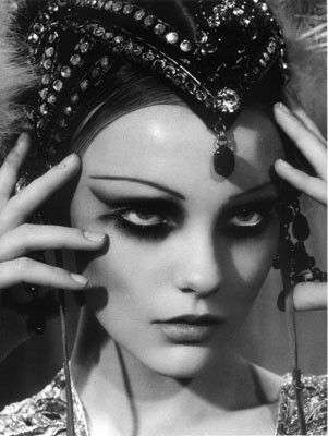 vintage showgirl - Google Search   Follow our Showgirl board here --> http://www.pinterest.com/thevioletvixen/showgirl/
