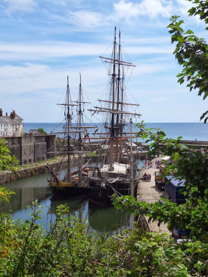 Charlestown, Cornwall ⛵️ Popular filming location ( Poldark , Dr. Who, Alice in Wonderland) Photo: ©Mike Perry