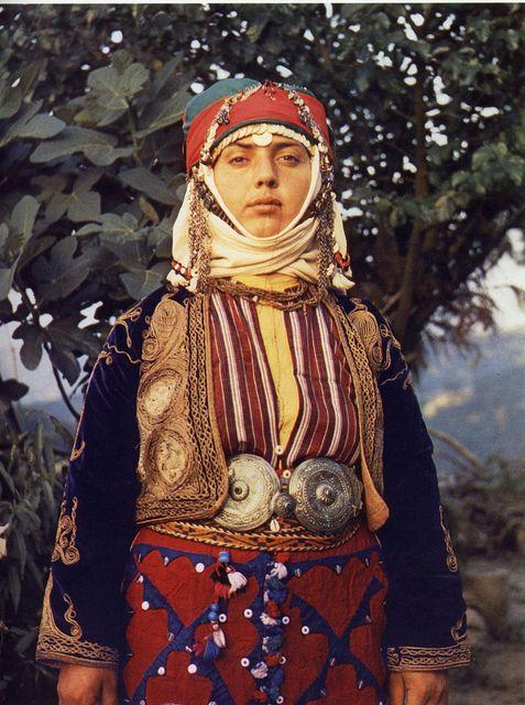 Türkmen folk costumes from Merkez Kapıkaya, Turkey    In Türkmen Giyimi by Sabiha Tansuğ. Ak Yayınları, 1985.