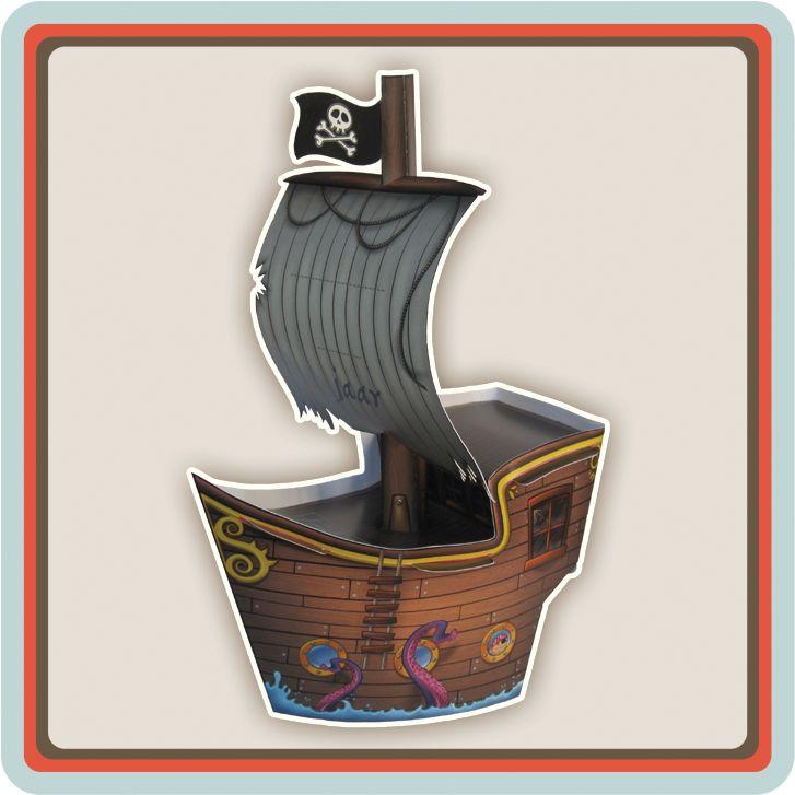 Ahoy Matey… deze piratenschip uitnodiging is voor alle stoere piraten die een echt piratenfeest willen geven. Jou feestje is helemaal af met deze unieke uitnodiging. Stuur de piratenschip uitnodiging maar snel op en voor je het weet staan al je piratenvrienden bij jou voor de deur…Ahoooooy