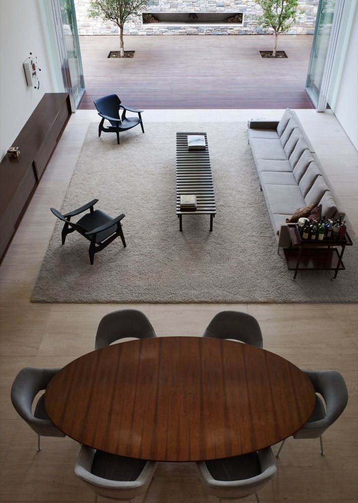 The lines are clear and simple, and the result, amazing \ Corten House by Marcio Kogan \ Photo © Nelson Kon \ Sao Paulo, Brazil