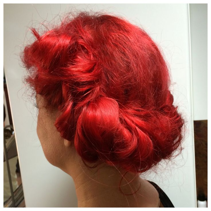 Fastupdo that took less than 5 minutes for naturally curlyhair. Www.kutritamminen.fi