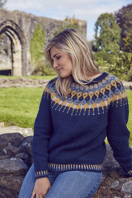 A classic Icelandic yoke jumper, Lausavisa comes with an on-trend 1970s vibe and is perfect for keeping you warm as the Northern Lights dance in the sky above you. The jumper is knitted in the round bottom up and uses a near-seamless construction, ensuring minimal finishing!