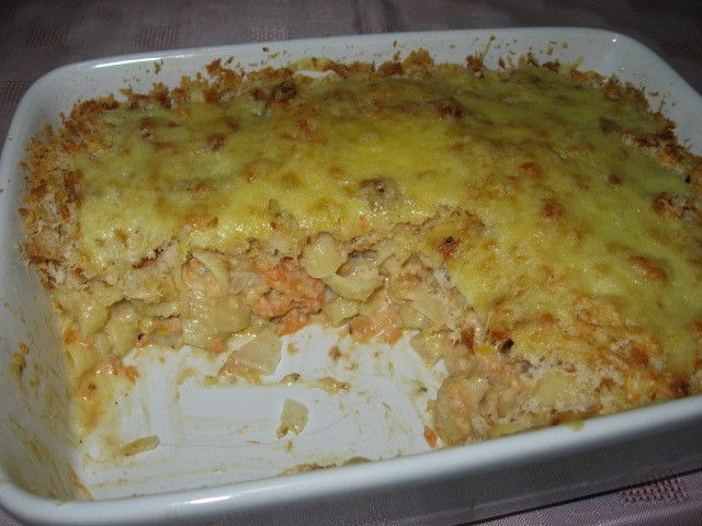 Salmon pasta bake that is quick, easy and really tasty.