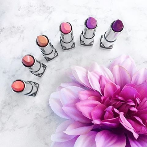 Check out all of these BEAUTIFUL, vibrant @MaybellineAu #ColorSensational #RebelBloom lipsticks via @flipandstyle!! The Color Sensational lipsticks are creamy AND pigmented, meaning no dry cracked lips (yay!)