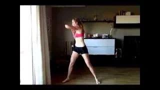 I N S T A F I T   Entrenamiento mañanero de 5 minutos!   5 ejercicios de 1min sin descanso, para empezar bien tu día, sudando toxinas!  Este entrenamiento lo puedes realizar en cualquier momento del día para mantenerte activo.  5min MORNING WORKOUT!   Cardio  Do each exercise for 1 min for a 5min.  Addictissima by Judit Sánchez  ––––––—————————— Instagram: Addictissima Facebook: facebook.com/addictissima Twitter: @addictissima