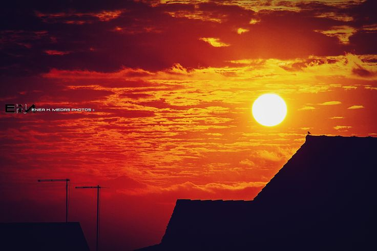 White hole sunset by Enea H. Medas  on 500px