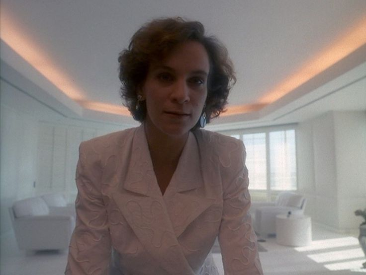 Amanda Plummer in Miami Vice (1984)