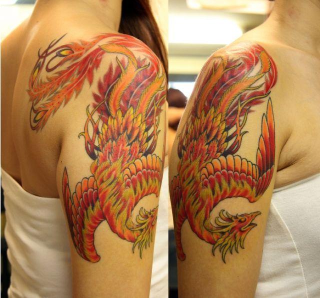 女性,肩,鳳凰のタトゥーデザイン タトゥーナビ