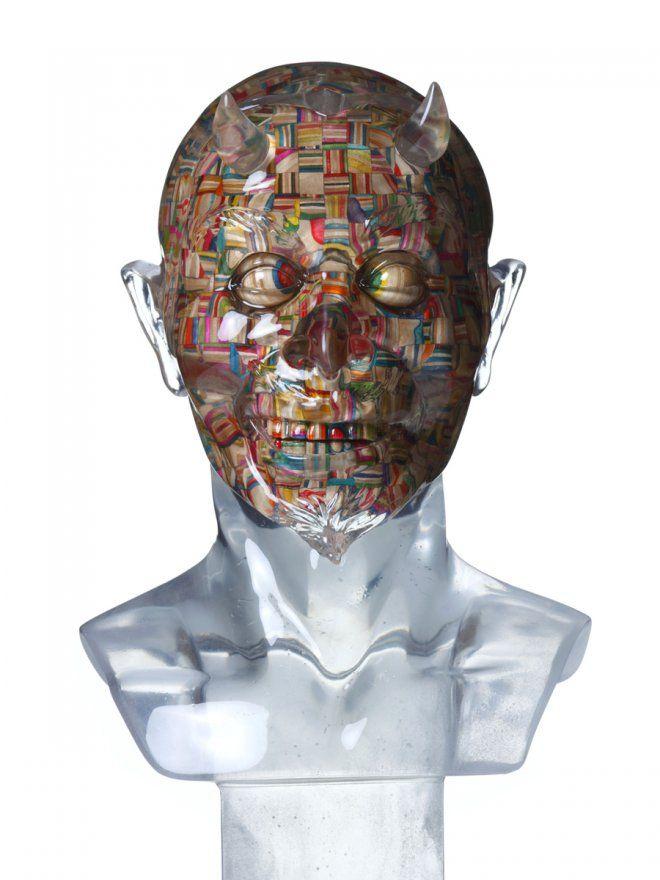 """Haroshi, artista giapponese non convenzionale, innovativo e anche un po' """"macabro"""". Si, avete letto bene, """"macabro""""! Ci riferiamo in particolare alla sua nuova personale, intitolata """"'Virtual Reality"""", inaugurata lo scorso 12 Gennaio al Jonathan LeVine Gallery di New York. La mostra resterà allestita fino al prossimo 9 Febbraio 2013."""