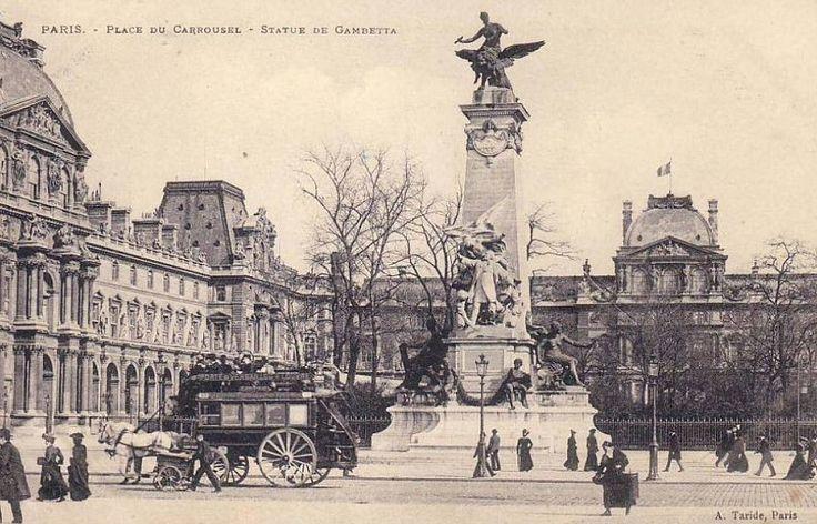 La statue de Gambetta, place du Carrousel vers 1900  (Paris 1er)