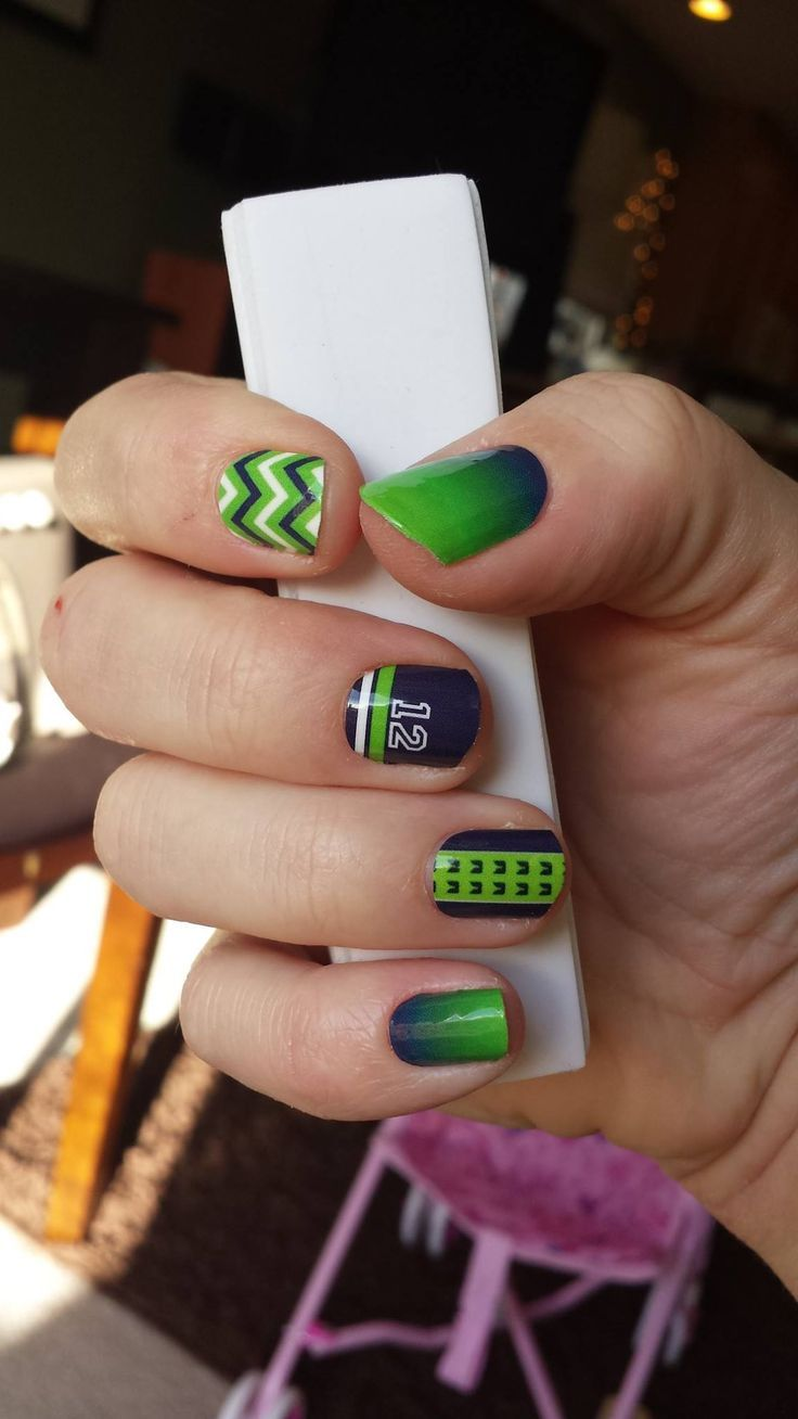 Love these Seahawk nails! Super cool!