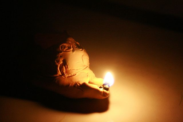 Homemade Clay Oil Lamps - a great craft to teach about the Parable of the Ten Virgins.     The lamps really works!