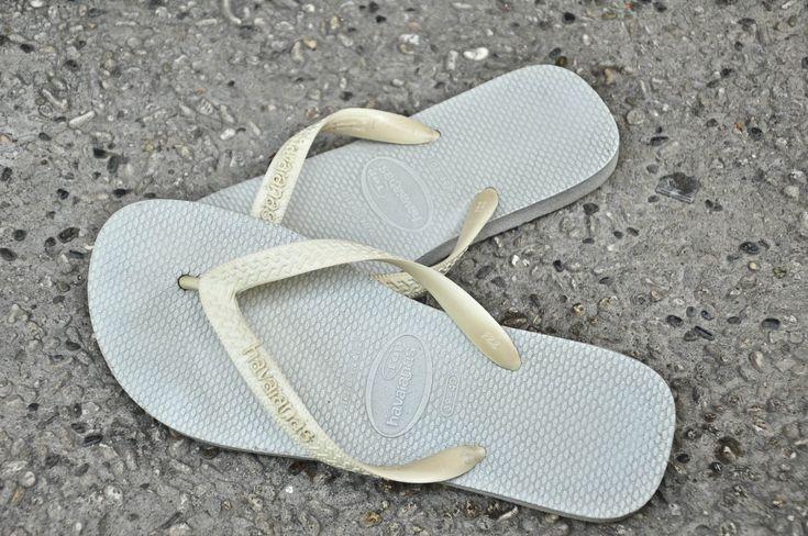How to Clean Flip Flops -- via wikiHow.com