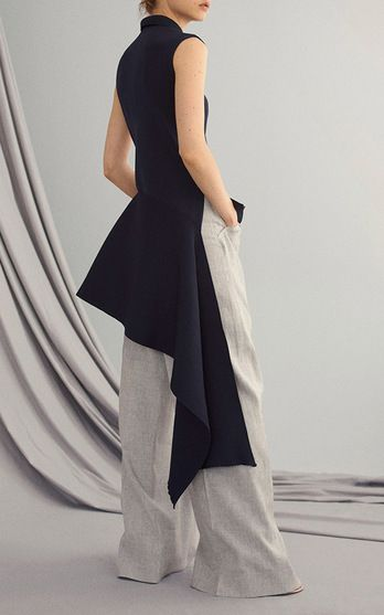 ADEAM Resort 2017 . Having launched her label in 2011, Japan-born and New York-based Hanako Maeda combines Eastern avant garde with Western utility.