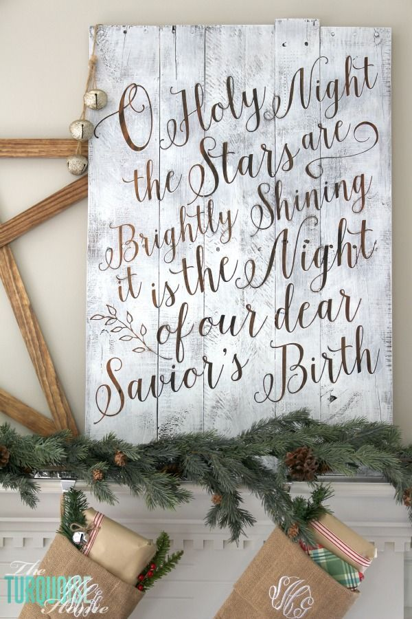 Personalize your Christmas decor with a DIY lettered pallet sign! Full tutorial…