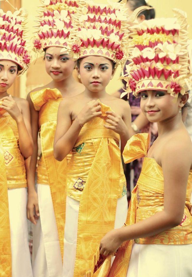 Bali. Beautiful headdresses! Bali Floating Leaf Eco-Retreat. http://balifloatingleaf.com/