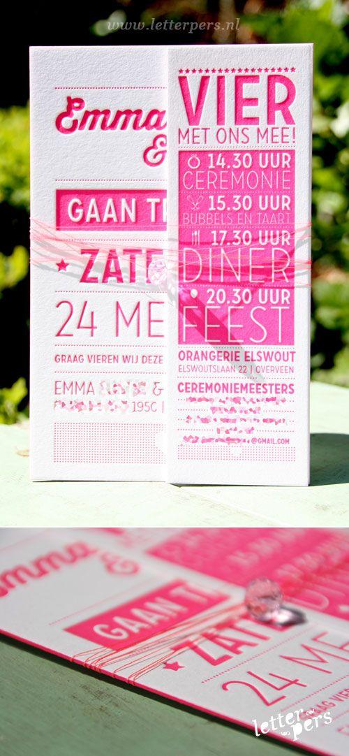 letterpers_letterpress_trouwkaart_Robin_Emma_stoer_fluor-roze_bedeltje_touw_gebonden