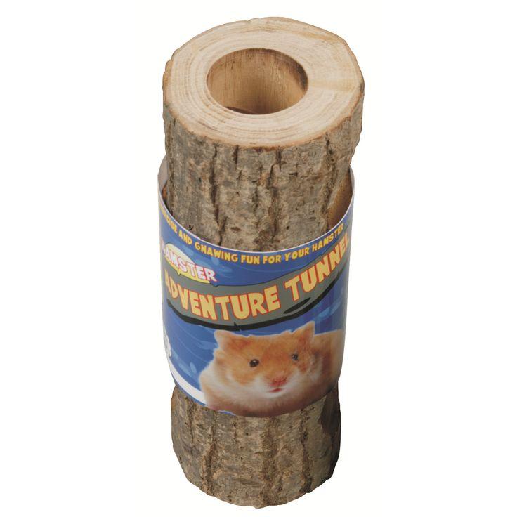 Houd je hamster bezig met deze Happy Pet Nature First Adventure Tunnel. Deze tunnel is het ideale speeltje om bewegen, spelen en knagen te stimuleren. Bovendien worden de tanden van je knaagdier getrimd door het knagen op het harde hout.