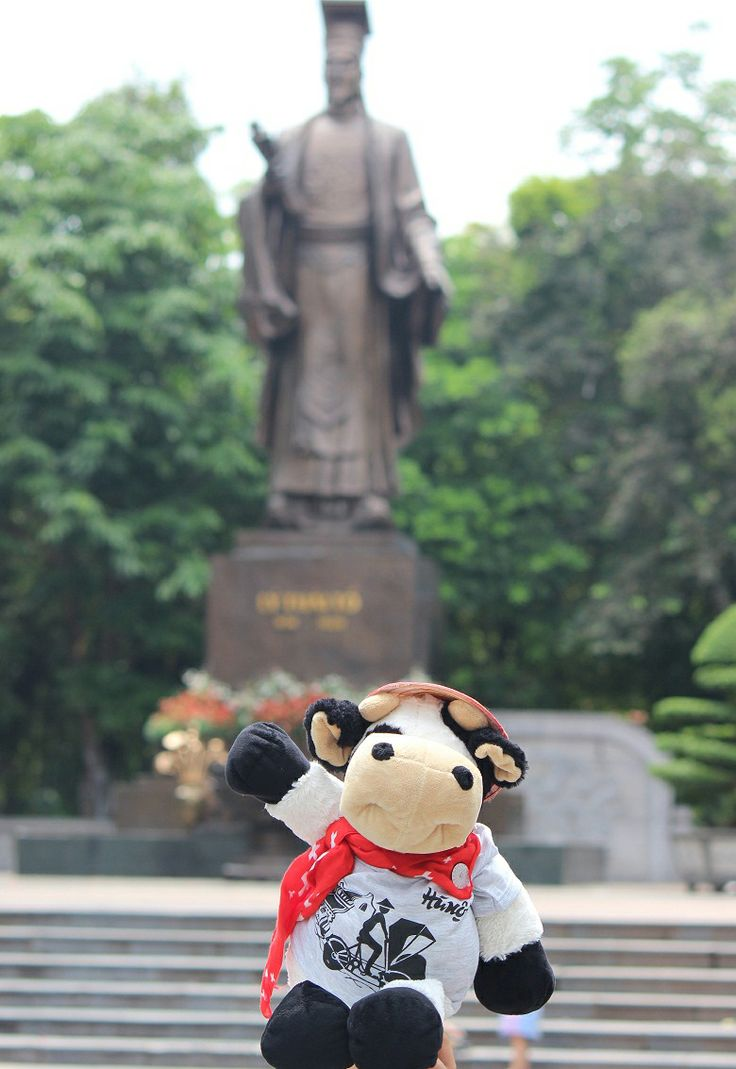 #Cowbassador and at the King Ly Thai To statue in Hanoi